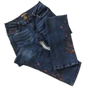 Refuge Jeans Lower Leg Embroidered Flowers Details